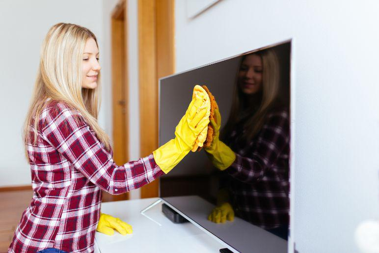 How to Clean a Flat Screen TV, 4K, LED, Cloths, Wash Down, etc